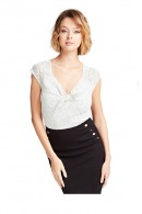 GUESS Top micropois and knotted neckline