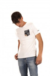 FRED MELLO T-shirt with flower pocket